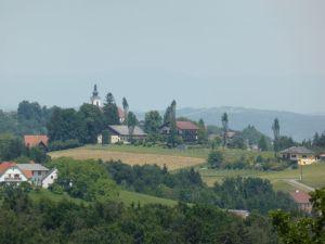 Blick vom Labitschberg, die Kirche ist 2 km entfernt